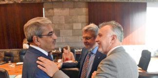 Ángel Víctor Torres con Román Rodríguez y Julio Pérez