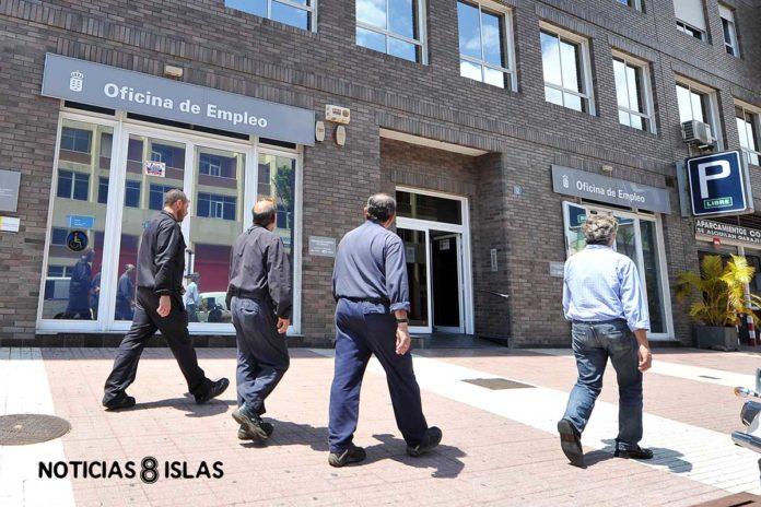 Exteriores de la Oficina de Empleo en S/C. de Tenerife