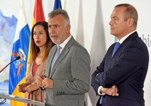 Rueda de prensa de Torres con los dos Alcaldes de las Capitales canarias. Cedida. NOTICIAS 8 ISLAS