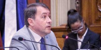 José Manuel Bermudez interviniendo en el Pleno del 25 octubre. Cedida. NOTICIAS 8 ISLAS.