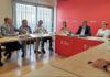 Un momento de la reunión celebrada en la sede socialista del Parlamento. Cedida. NOTICIAS 8 ISLAS