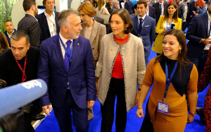 La Ministra y el Presidente en su visita a la World Travel Market. Cedida. NOTICIAS 8 ISLAS.