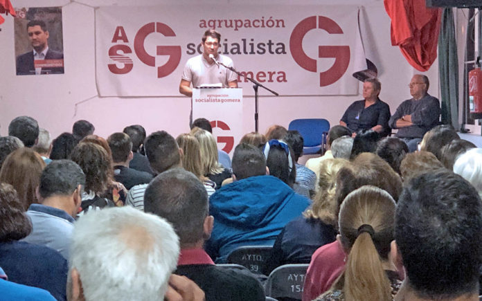 Fabián Chinea, candidato al Senado de Agrupación Socialista Gomera. Cedida. NOTICIAS 8 ISLAS.