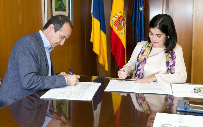 Momento de la firma del Convenio. Cedida. NOTICIAS 8 ISLAS.
