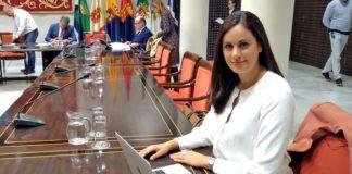 Vidina Espino en la comisión parlamentaria de Presupuestos. Cedida. NOTICIAS 8 ISLAS.