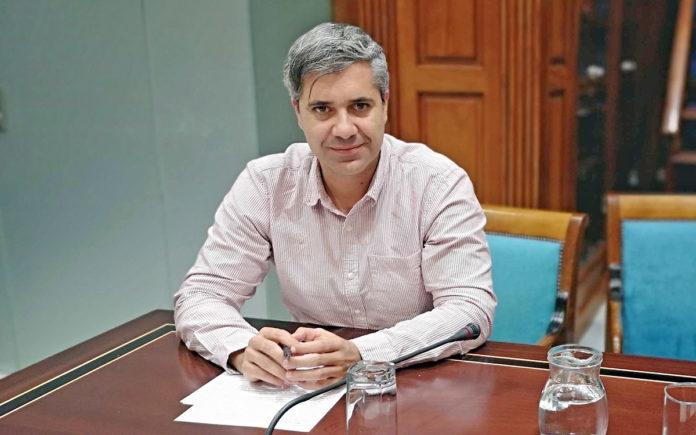 El diputado del Grupo Parlamentario Agrupación Socialista Gomera (ASG), Jesús Ramos. Cedida. NOTICIAS 8 ISLAS.
