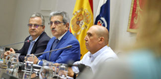 El vicepresidente del Gobierno de Canarias y consejero de Hacienda, Presupuestos y Asuntos Europeos, Román Rodríguez. Cedida. NOTICIAS 8 ISLAS.