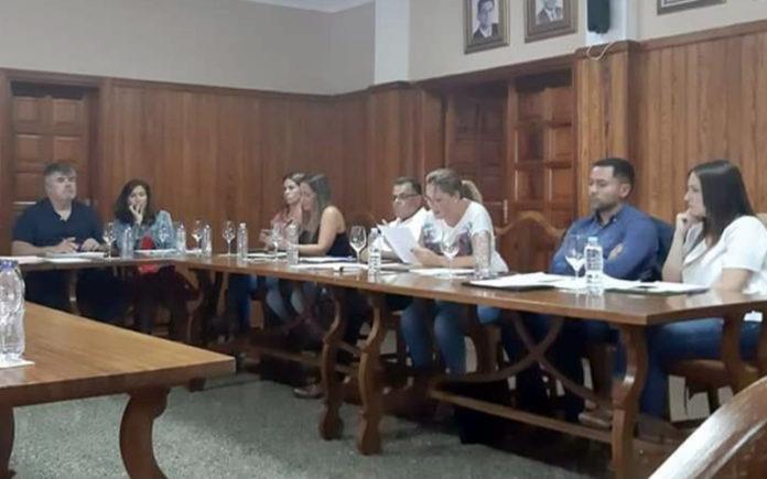 Sesión plenaria en La Victoria. Cedida. NOTICIAS 8 ISLAS.