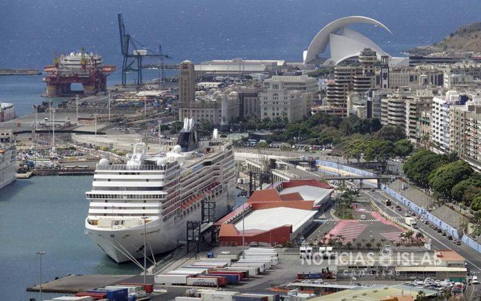 Puerto deSanta Cruz de Tenerife. Manuel Expósito. NOTICIAS 8 ISLAS.