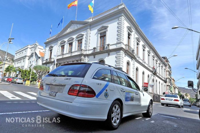 Taxi, Santa Cruz de Tenerife./ ©Manuel Expósito.