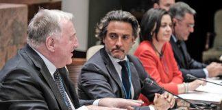 Gustavo Matos, preside la reunión de parlamentos europeos, CALRE 2020. Junto a Pilar Llop, presidenta del Senado, Karl-Heinz Lambertz, Presidente del Comité de las Regiones./ © Pepe Torres.