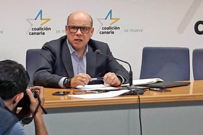 Rueda de prensa ofrecida por José Miguel Barragán. Cedida. NOTICIAS 8 ISLAS.