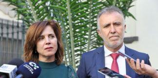 Teresa Cruz y Ángel Victor Torres atendiendo a los medios./ Cedida.