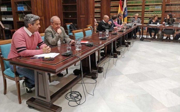 Jesús Ramos [izq], portavoz adjunto de ASG. Cedida. NOTICIAS 8 ISLAS.