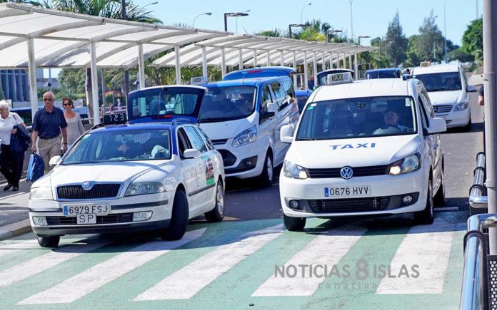Aeropuerto Sur, taxi. © Manuel Expósito. NOTICIAS 8 ISLAS.