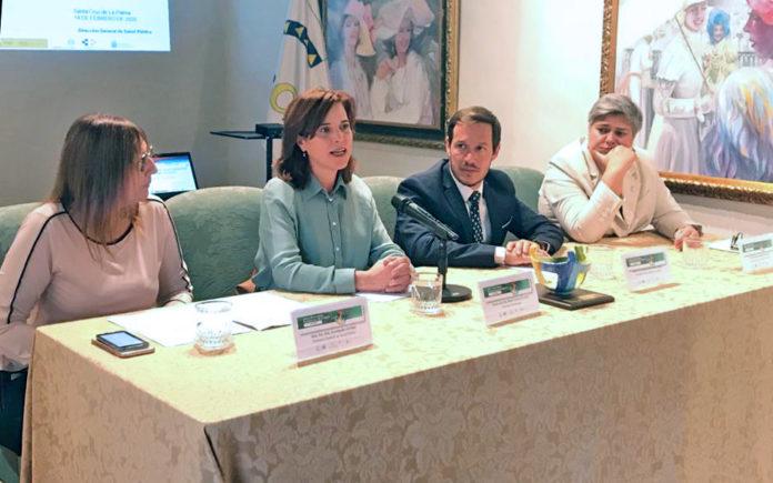 Teresa Cruz, durante la celebración del Plenario. Cedida. NOTICIAS 8 ISLAS.