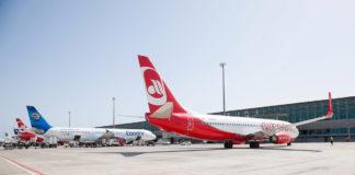 Aviones, llegada de pasajeros por vía aérea . Cedida. NOTICIAS 8 ISLAS.