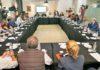 Mesa de la reunión celebrada con los agentes implicados. Cedida. NOTICIAS 8 ISLAS.