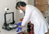Equipo de impresión 3D prestado a la Institución sanitaria. Cedida. NOTICIAS 8 ISLAS.