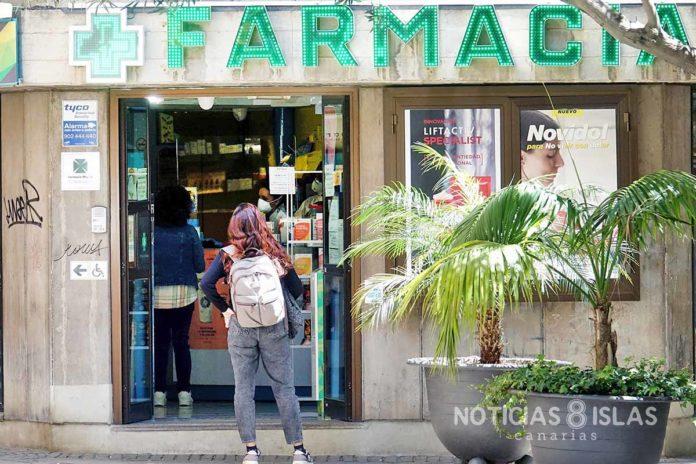 Cola en despacho de farmacia, S/C. de Tenerife. Trino Garriga. NOTICIAS 8 ISLAS.