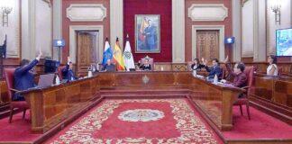 Un momento del Pleno de Santa Cruz de Tenerife. Trino Garriga. NOTICIAS 8 ISLAS.