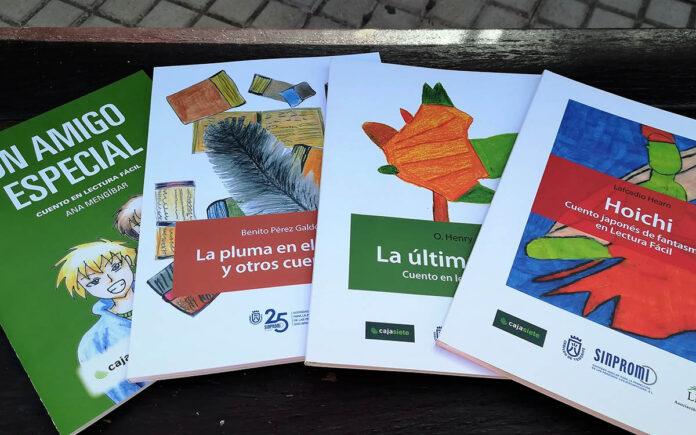 Los cuatro libros adaptados a lectura fácil. Cedida. NOTICIAS 8 ISLAS.