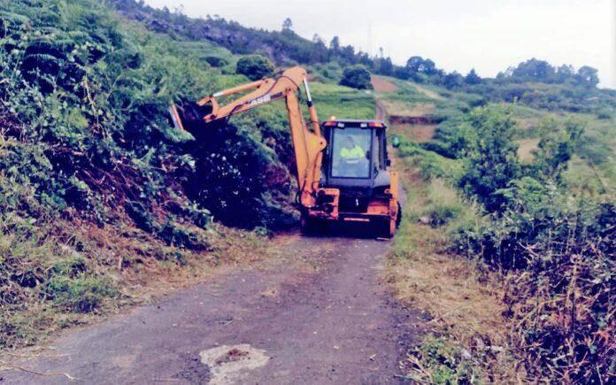 Operario en una de las pistas agrícolas de San Juan de la Rambla. Cedida. NOTICIAS 8 ISLAS.