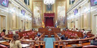 Pleno del Parlamento de Canarias del 10 de junio./ Trino Garriga.
