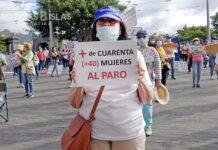 Concentración ante el Cabildo de trabajadores y usuarios del programa Ansina. Trino Cabello. NOTICIAS 8 ISLAS.