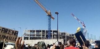Manifestación contra la construcción del hotel./ Cedida.