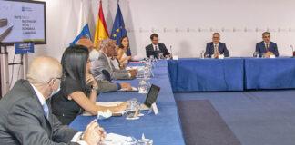 Mesa de diálogo institucional con todos los firmantes del Pacto./ Cedida.