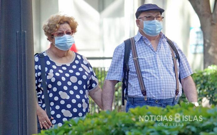 Uso de mascarillas en la vía pública. Trino Garriga. NOTICIAS 8 ISLAS.