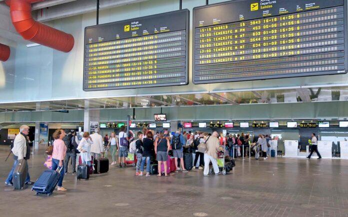 Salidas, aeropuerto de La Palma./ Cedida.