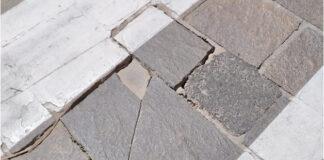 El Perenquén reclama cambiar el pavimento, adaptándolo a la Ley de Accesibilidad./ Cedida.