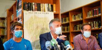 Rueda de prensa de esta tarde de la situación del incendio declarado en Garafía,/ Cedida.