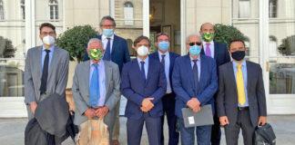 Los representantes de los productores de plátano en la reunión de Paris./ Cedida.