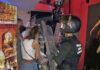 Actuación policial en la fiesta del bar./ Cedida.