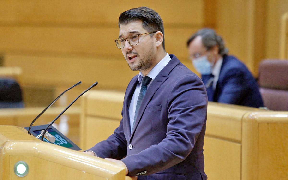 Chinea exige que se permita los viajes de migrantes a la Península para evitar que se agrave el problema en las islas