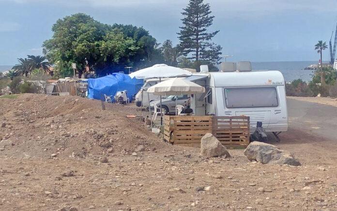 Asentamiento informal retirado en Los Cristianos./ Cedida.