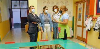 José Manuel Bermúdez, realizó hoy una visita a los centros Faina (Ofra) y Tara (Añaza)./ Trino Garriga.