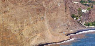Desprendimientos en la Playa de Argaga.