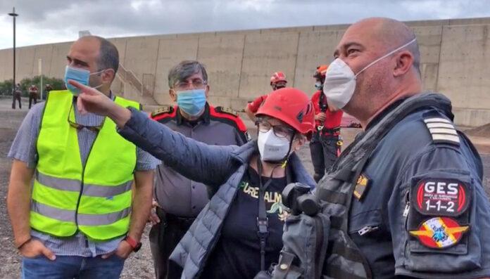 Reunión para la valoración de la situación en esta mañana./ Ayuntamiento de Valle Gran Rey.