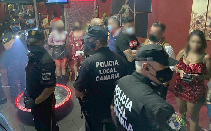 Intervención en un local de alterne./ Policia Local de S/C. de Tenerife.