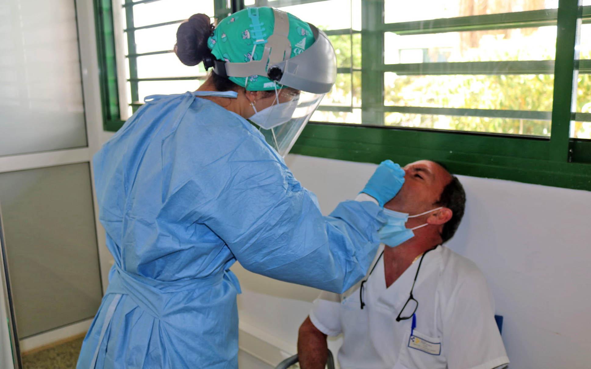 Coronavirus: hoy, 2 fallecidos y 166 nuevos casos positivos por COVID-19 en Canarias