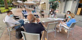 Un momento de la reunión entre los diferentes agentes sociales./ Cedida.
