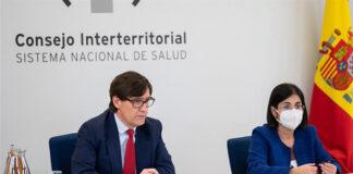 Rueda de prensa ofrecida por los ministros Illa y Darias./ Pool Moncloa -Borja Puig de la Bellacasa