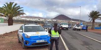 Un control de la Policía Local de Arrecife./ Cedida.