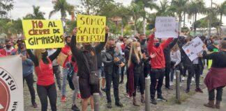 Manifestación, del pasado miércoles, del sector ante el Cabildo de Tenerife./ Cedida.