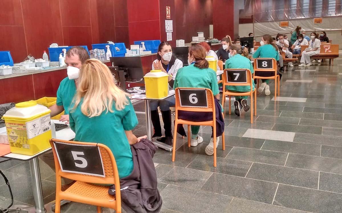 Intersindical Canaria denuncia la mala gestión del Gobierno canario en el proceso de vacunación