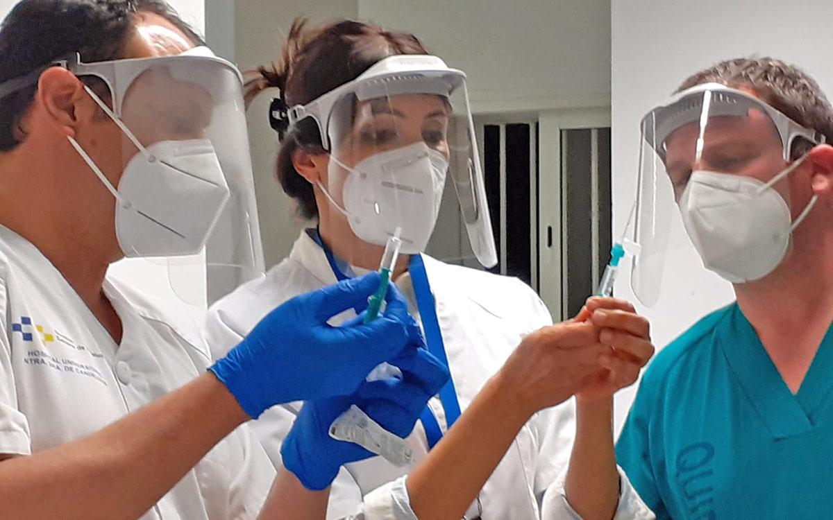 Sanidad ha administrado la vacuna contra la COVID-19a 39.339 personas de los grupos 1 y 2